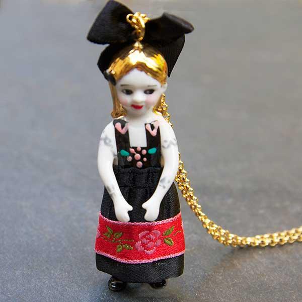 Poupée Gretel Noire