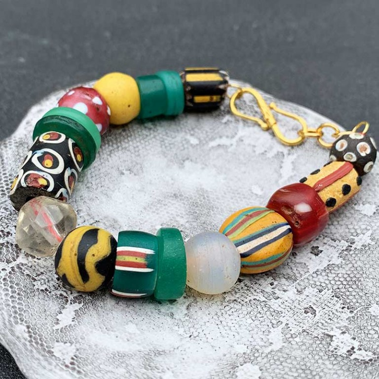 Antic Beads by Aline