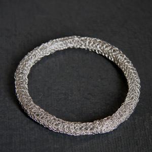 Bracelet Broderie argent gris